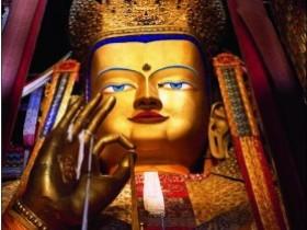日喀则扎什伦布寺大铜佛雕塑