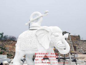 一尊石雕大象雕刻的选择以及保养