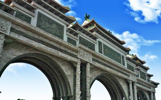 中国最大的牌楼石牌坊在哪里-广东顺峰山公园大门