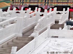 南京金水桥汉白玉石栏杆为什么一尘不染