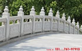 景观河道护栏和桥栏杆与路面栏杆区别