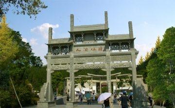 农村牌坊大门石牌楼雕刻制作的文化价值