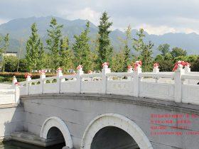 汉白玉桥栏杆价格-山东十大汉白玉阳台护栏图片
