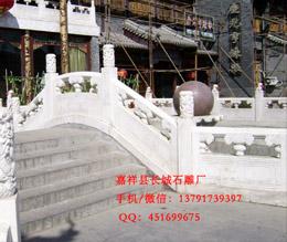 北京天坛的须弥座和石雕栏杆