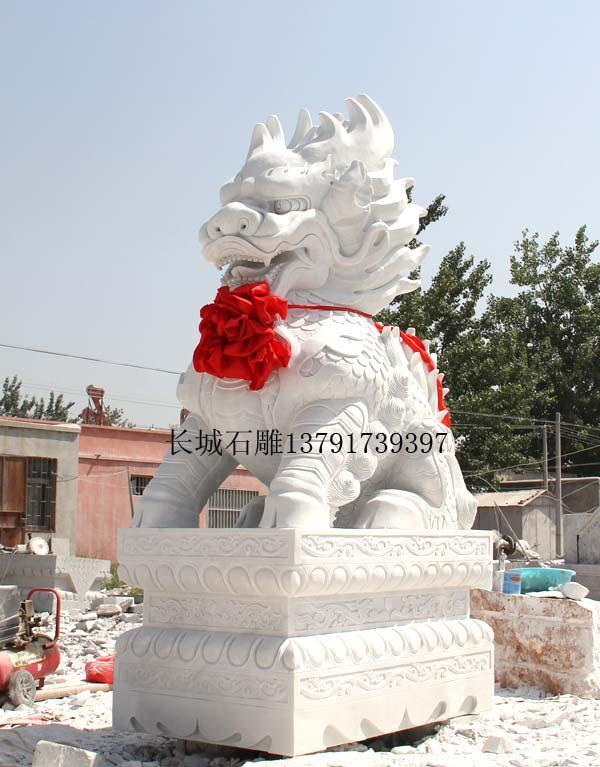 汉白玉麒麟石雕
