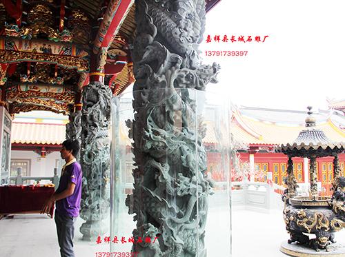 寺院广场庙宇石雕龙柱