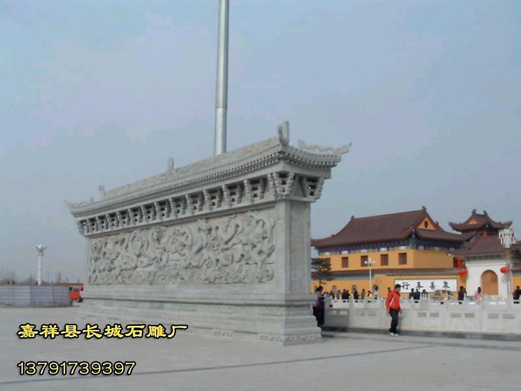 石壁或者石壁,就是表达这些内容的最好的选择。上面我们所欣赏的苏州寒山寺石碑,就是寺院石雕作品的典型代表。