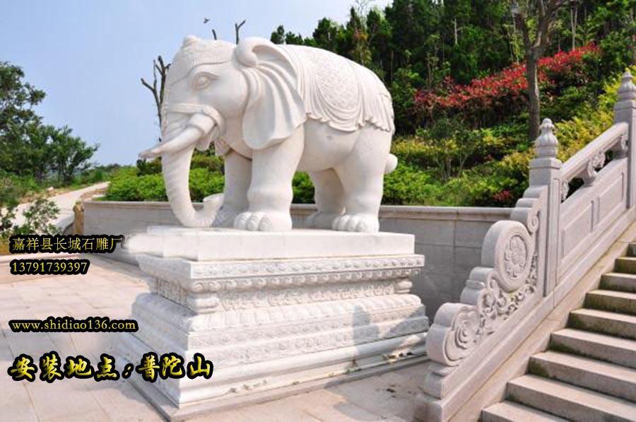 寺院山门石雕大象