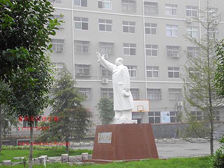 毛泽东伟人石雕在雕刻时需要注意什么
