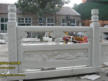 从石栏杆就能够看出石雕艺术在中华民族中的地位