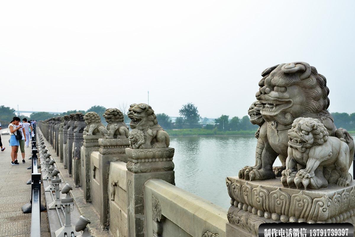 卢沟桥石栏杆雕刻的石狮子图片