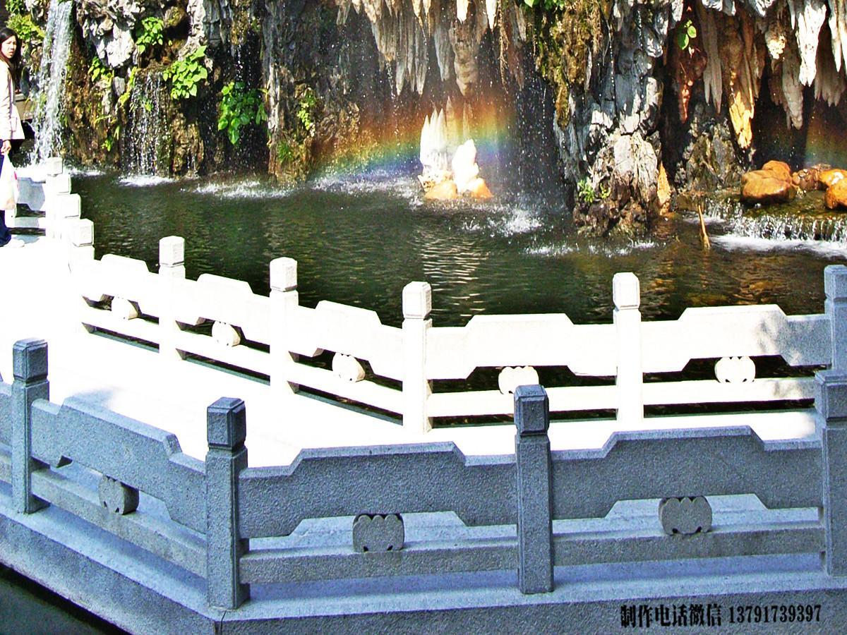 广州宝墨园简易景观栏杆雕刻图片